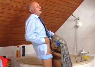 Toned granddaughter sucks her grandfather's sausage
